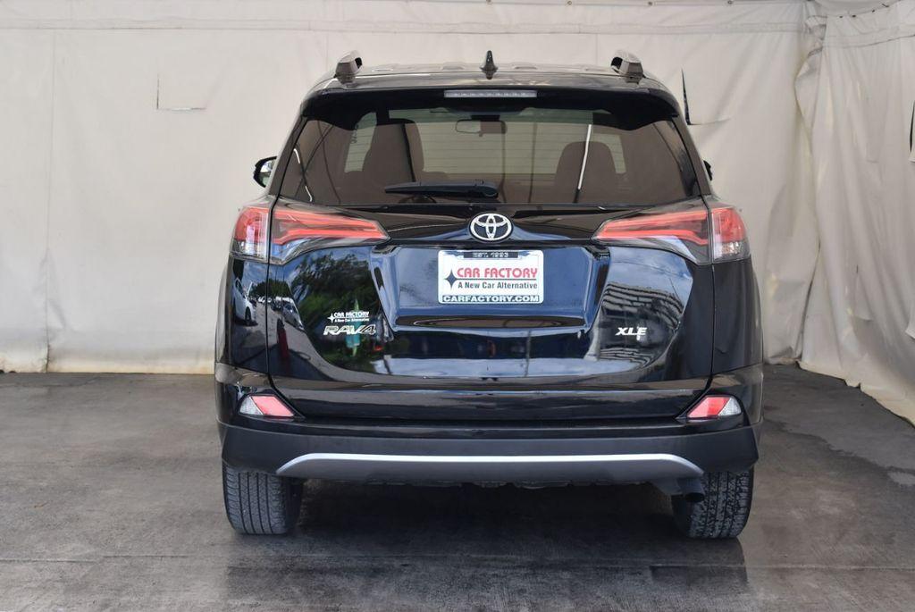 2017 Toyota RAV4 XLE FWD - 18070730 - 7