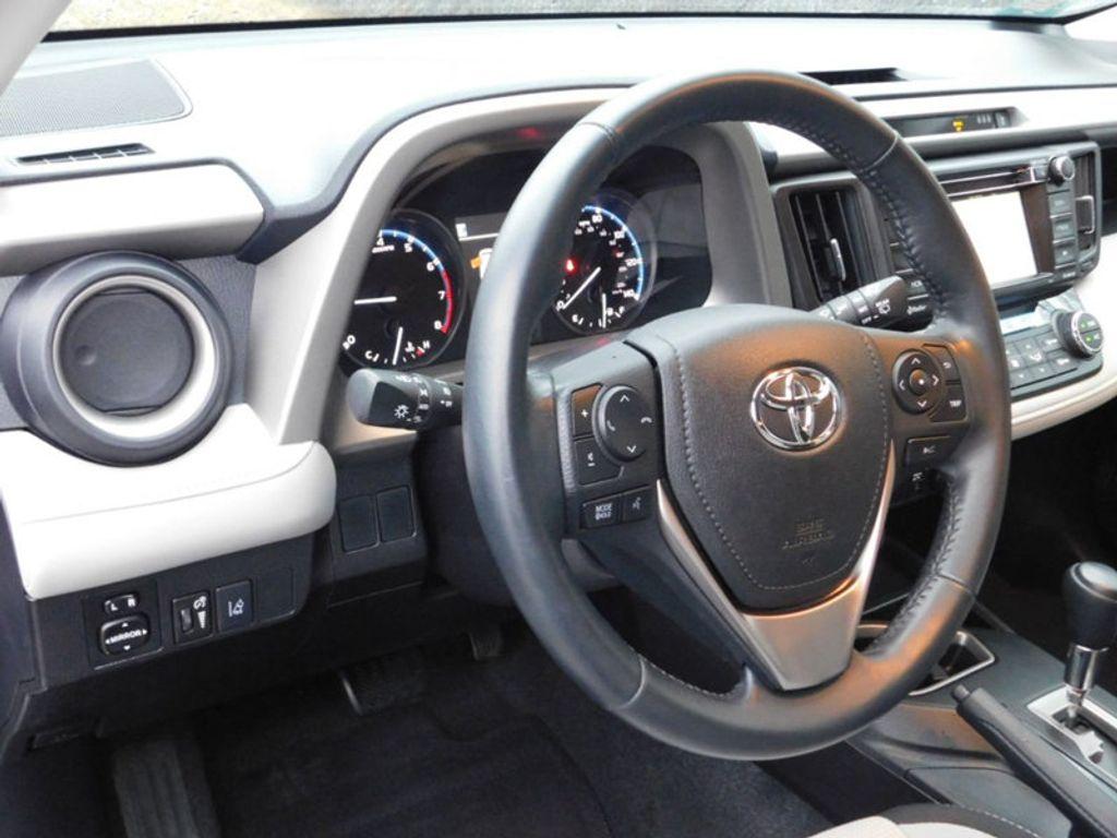 2017 Toyota RAV4 XLE FWD - 18495799 - 16