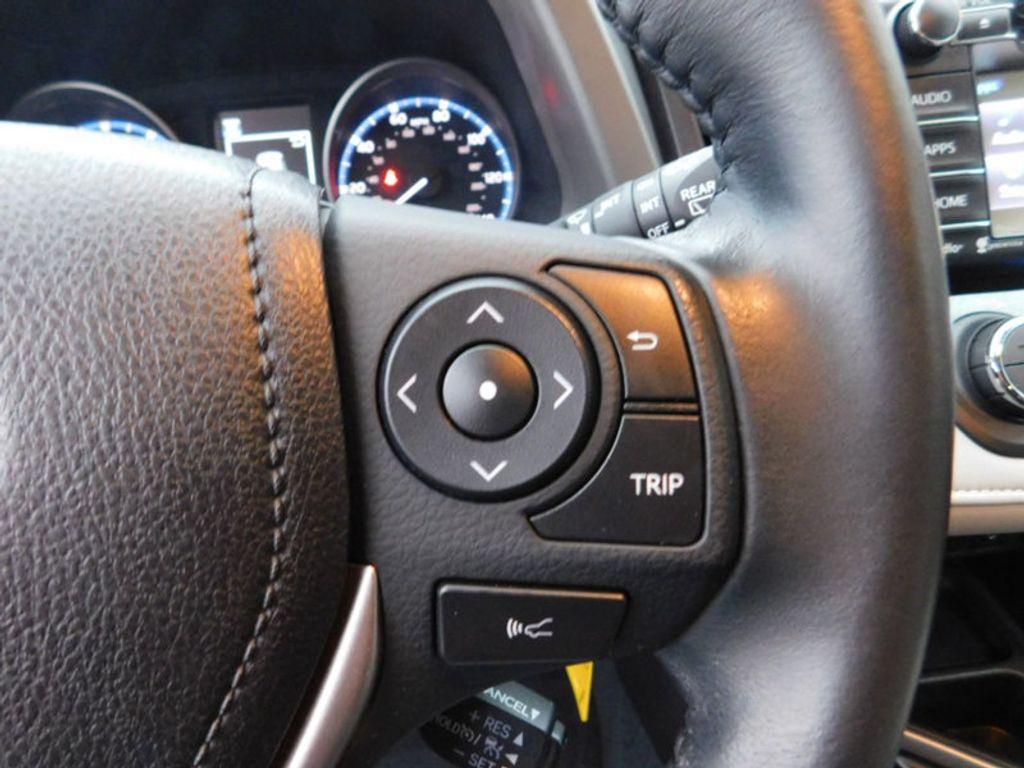 2017 Toyota RAV4 XLE FWD - 18495799 - 18