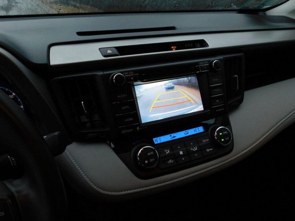 2017 Toyota RAV4 XLE FWD - 18495799 - 19