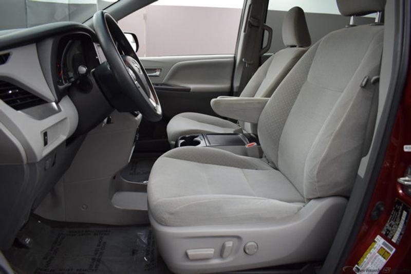 Enjoyable 2017 Used Toyota Sienna Le At Benji Auto Sales Serving West Park Fl Iid 19120052 Creativecarmelina Interior Chair Design Creativecarmelinacom