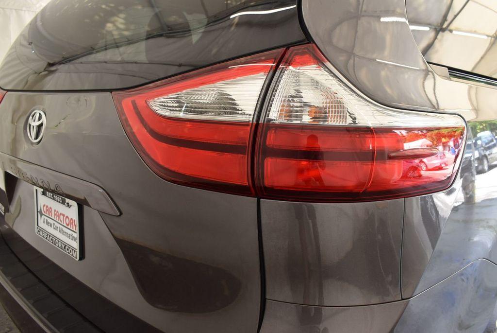 2017 Toyota Sienna L FWD 7-Passenger - 18093602 - 1