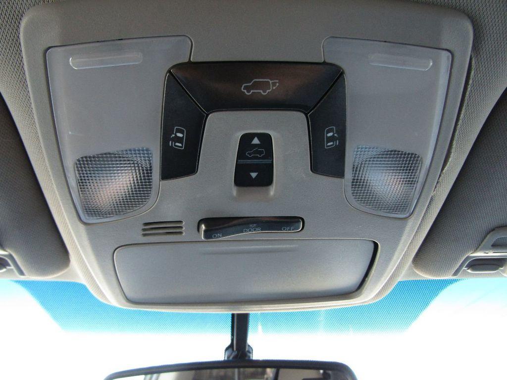 2017 Toyota Sienna XLE AWD 7-Passenger - 17589024 - 25