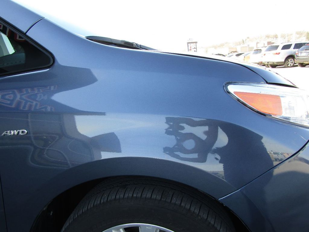 2017 Toyota Sienna XLE AWD 7-Passenger - 17589024 - 39