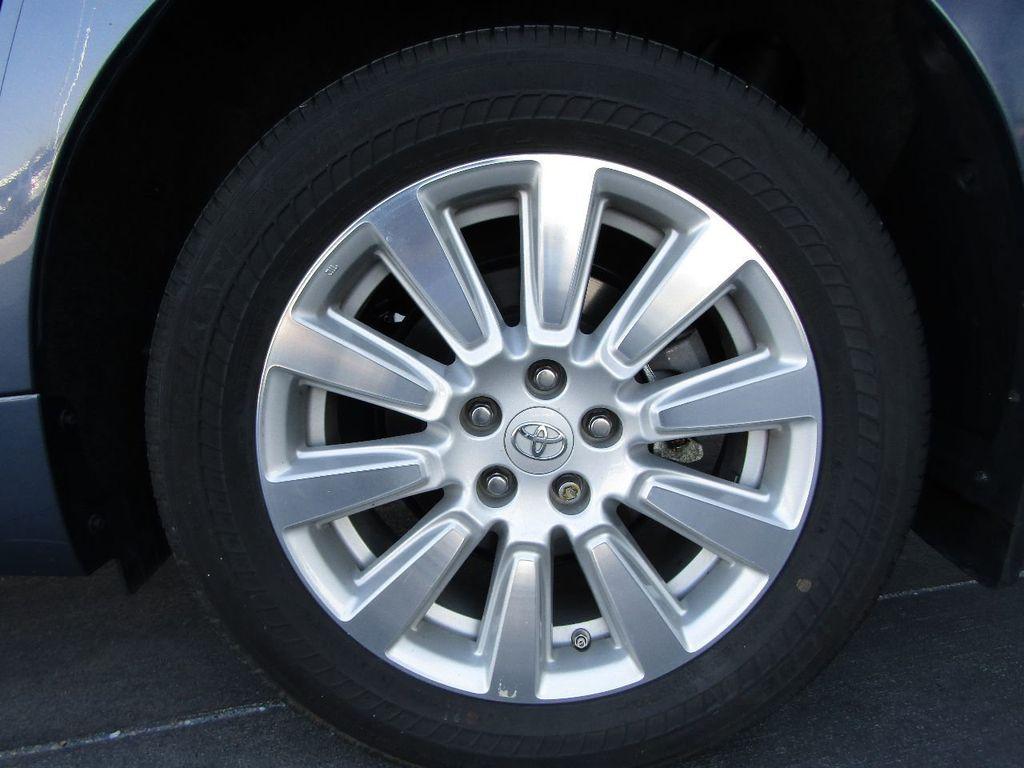 2017 Toyota Sienna XLE AWD 7-Passenger - 17589024 - 44
