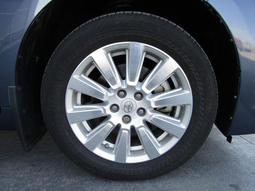 2017 Toyota Sienna XLE AWD 7-Passenger - 17589024 - 46