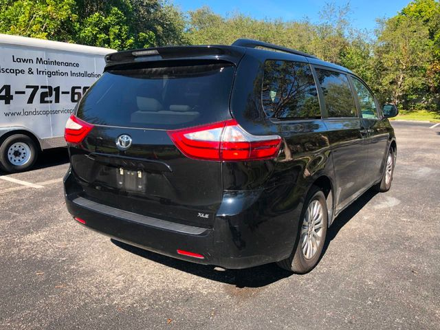 2017 Toyota Sienna XLE PREMIUM - Click to see full-size photo viewer