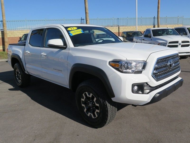 2017 Toyota Tacoma TRD Off Road Double Cab 5' Bed V6 4x2 Automatic - 17183372 - 2