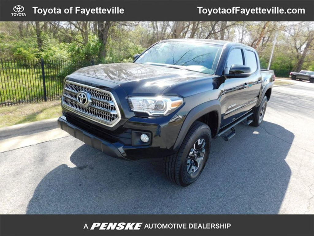 2017 Toyota Tacoma TRD Off Road Double Cab 5' Bed V6 4x4 Automatic - 17557247 - 0