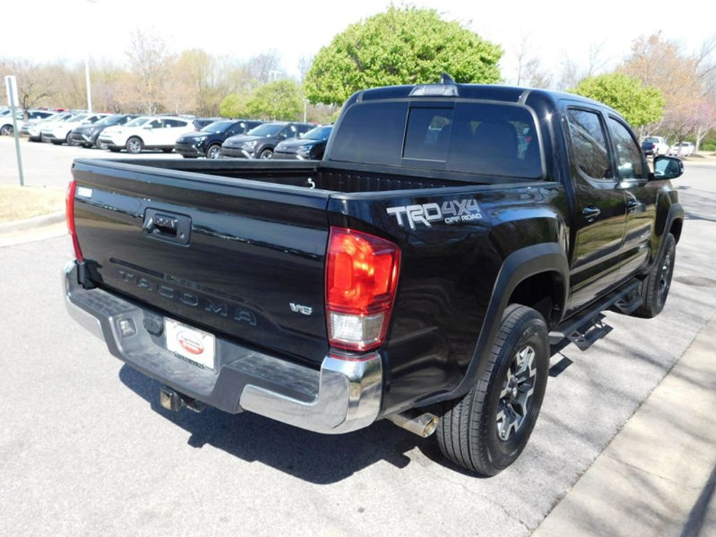 2017 Toyota Tacoma TRD Off Road Double Cab 5' Bed V6 4x4 Automatic - 17557247 - 2
