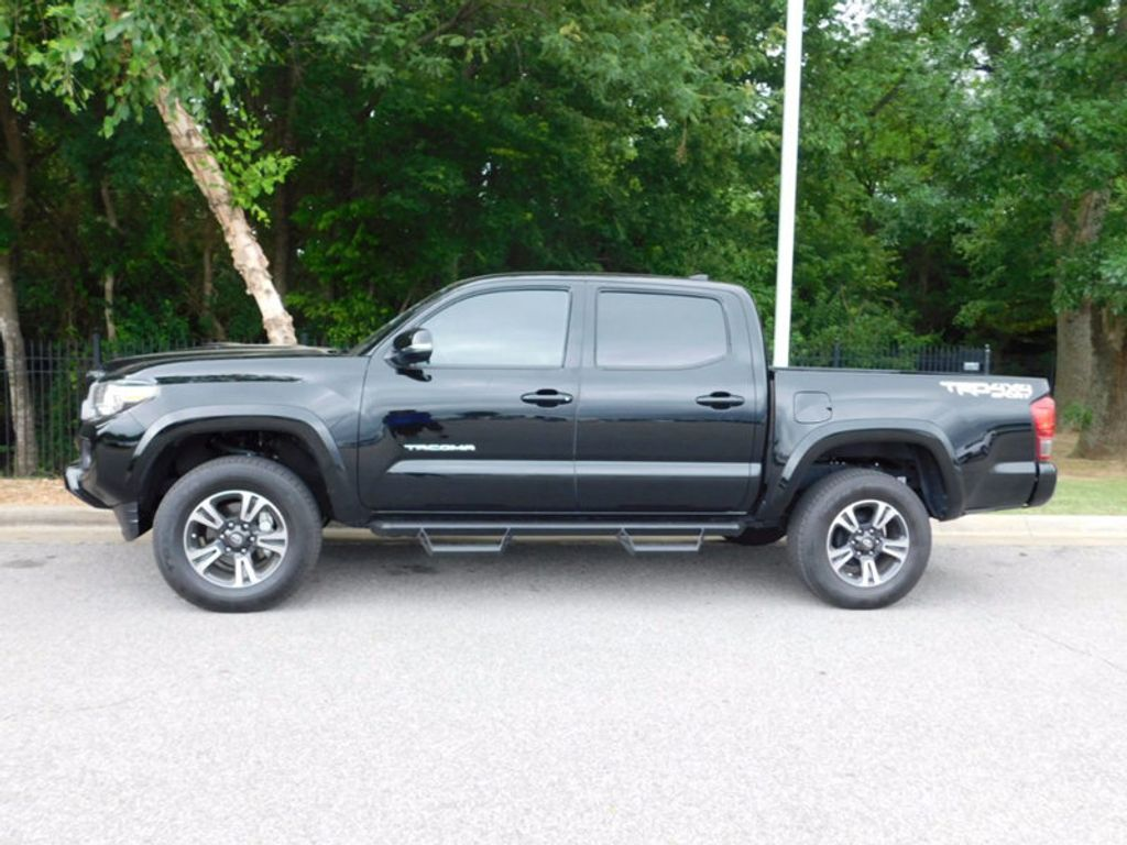 2017 Toyota Tacoma TRD Sport Double Cab 5' Bed V6 4x4 Automatic - 16517940 - 1