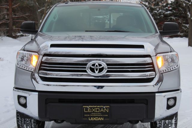2017 Toyota Tundra 4WD DOUBLE CAB SR5 5.7L V8 REMOTE START - Click to see full-size photo viewer
