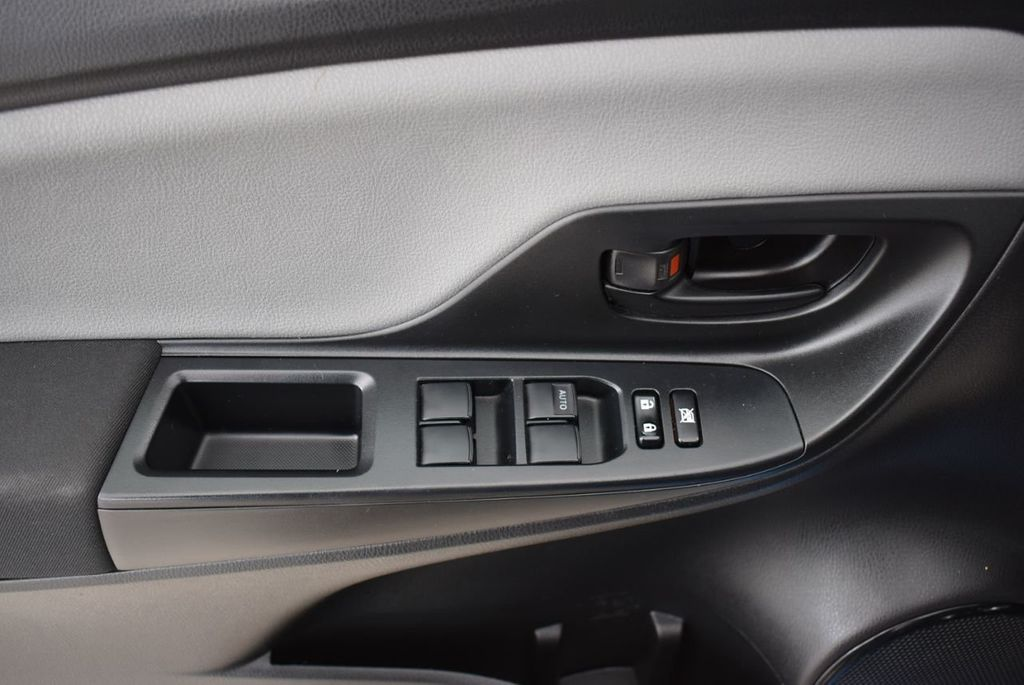 2017 Toyota Yaris  - 18676061 - 13