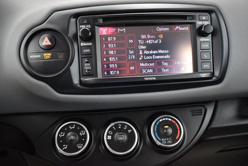 2017 Toyota Yaris  - 18676061 - 22