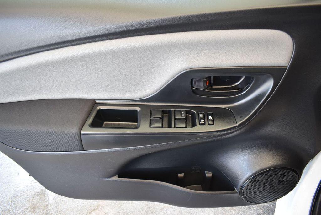 2017 Toyota Yaris 5-Door L Automatic - 18061081 - 15