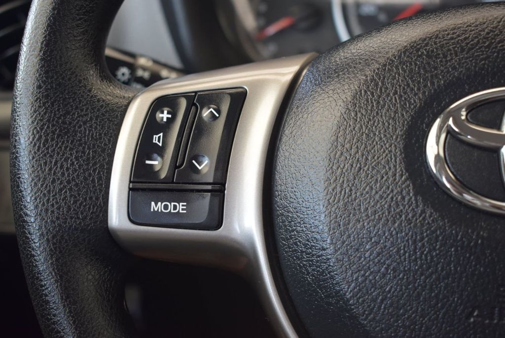 2017 Toyota Yaris 5-Door L Automatic - 18061081 - 18