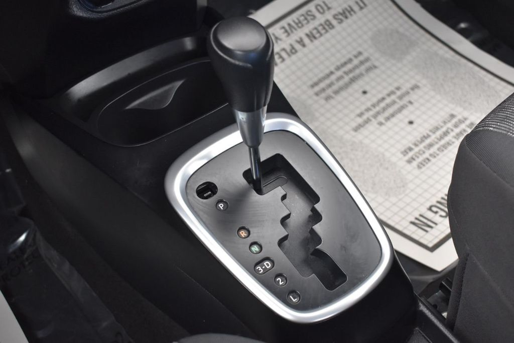 2017 Toyota Yaris 5-Door L Automatic - 18061081 - 20