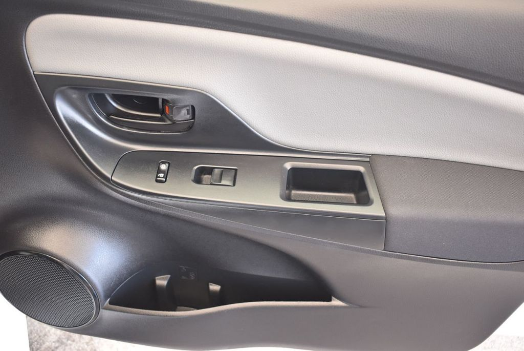2017 Toyota Yaris 5-Door L Automatic - 18061081 - 24