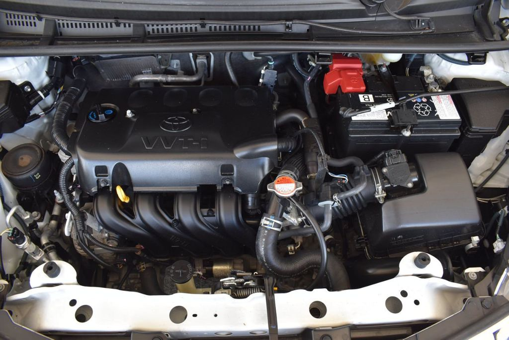 2017 Toyota Yaris 5-Door L Automatic - 18061081 - 25