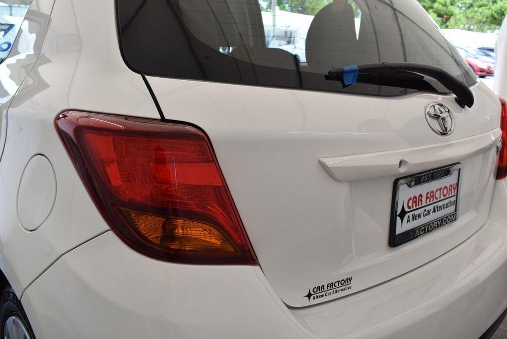 2017 Toyota Yaris 5-Door L Automatic - 18061081 - 6