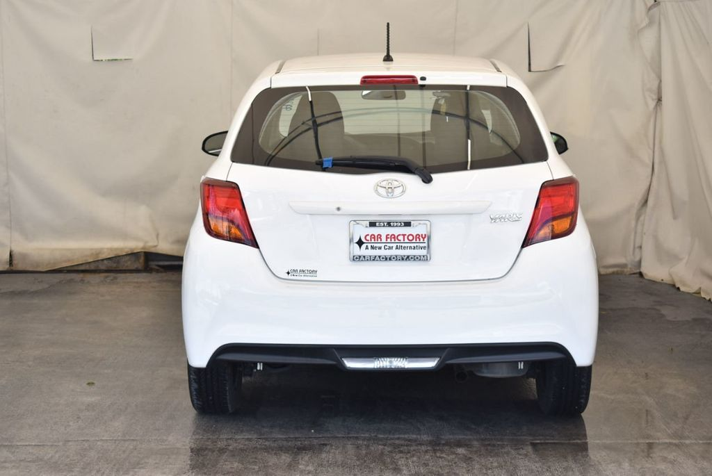 2017 Toyota Yaris 5-Door L Automatic - 18061081 - 7