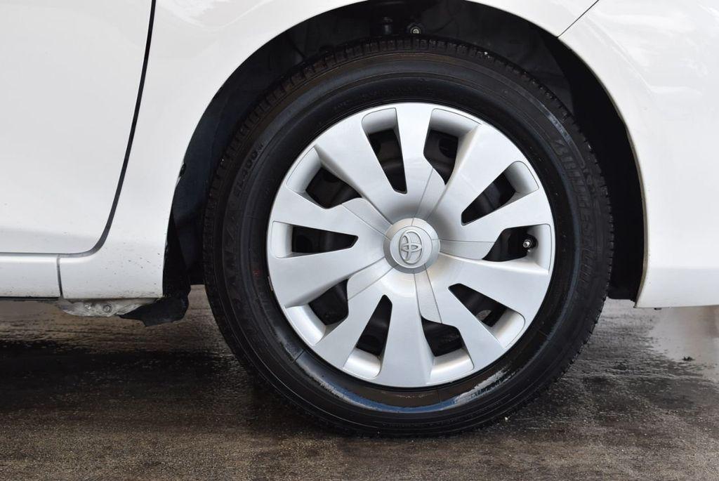 2017 Toyota Yaris 5-Door L Automatic - 18061081 - 8