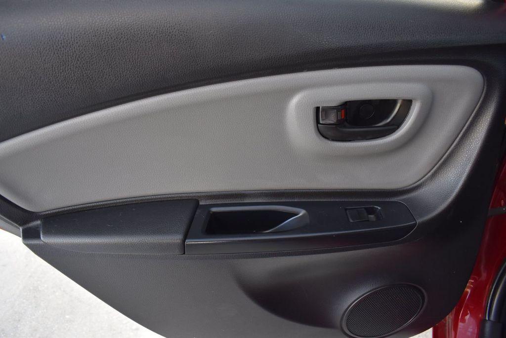2017 Toyota Yaris SE - 18415837 - 13