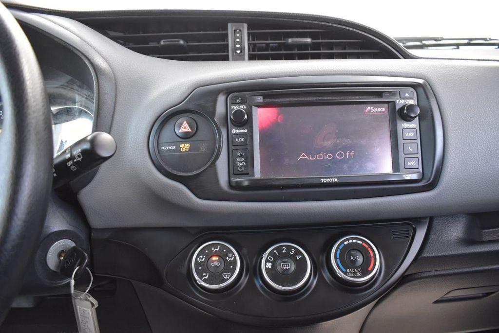 2017 Toyota Yaris SE - 18415837 - 19