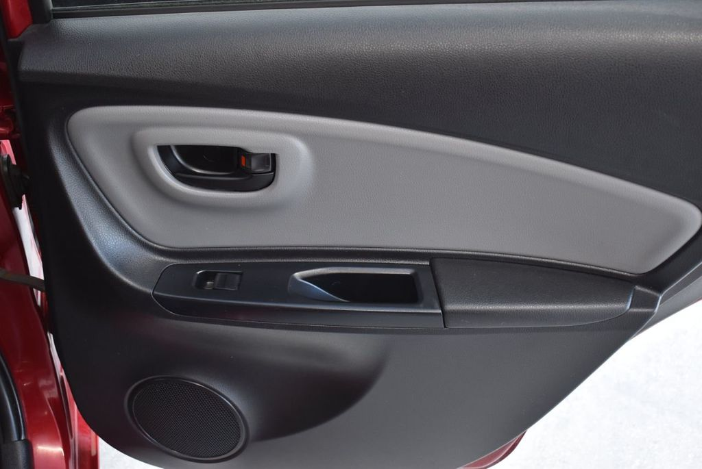 2017 Toyota Yaris SE - 18415837 - 21