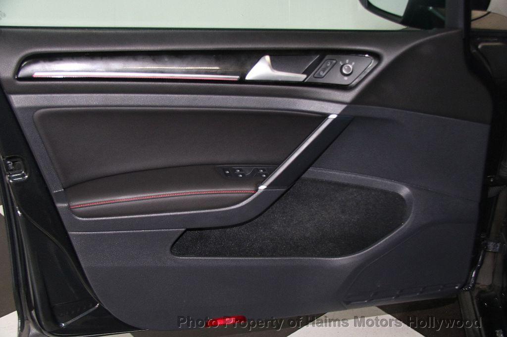 2017 Volkswagen Golf GTI 2.0T 4-Door SE DSG - 17245882 - 9