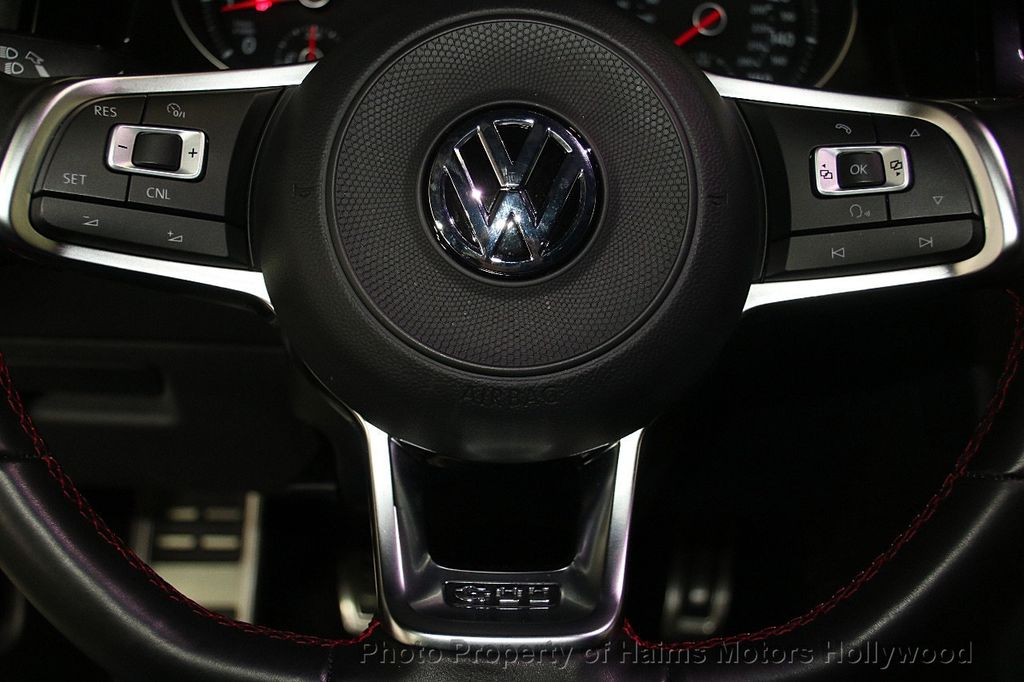 2017 Volkswagen Golf GTI 2.0T 4-Door SE DSG - 17245882 - 25