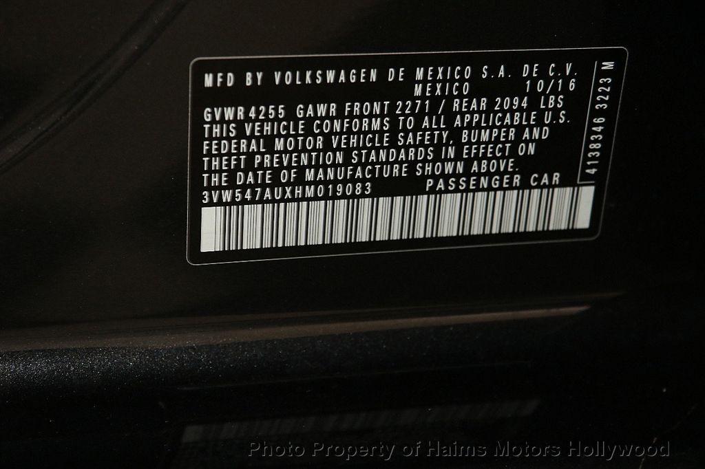 2017 Volkswagen Golf GTI 2.0T 4-Door SE DSG - 17245882 - 32