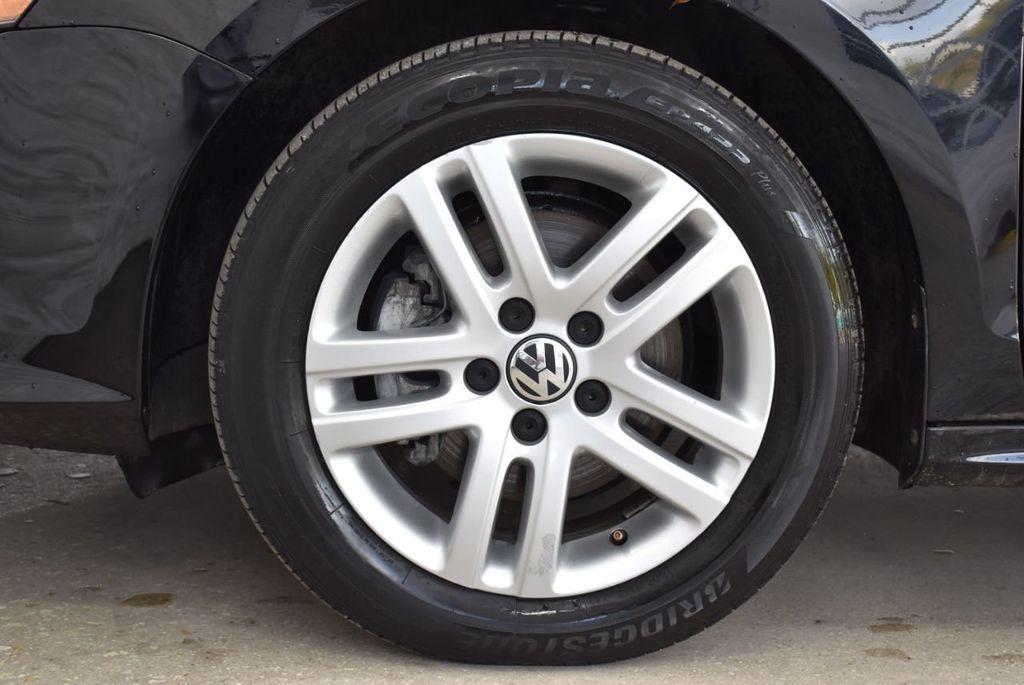 2017 Volkswagen Jetta 1.4T S Automatic - 18571136 - 9