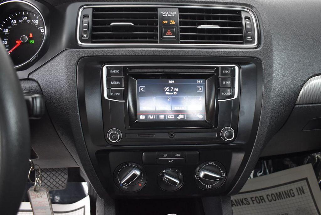 2017 Volkswagen Jetta 1.4T S Automatic - 18571136 - 22
