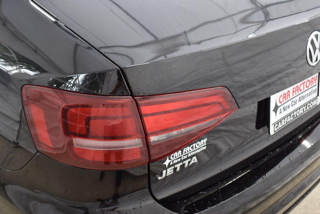 2017 Volkswagen Jetta 1.4T S Automatic - 18571136 - 4