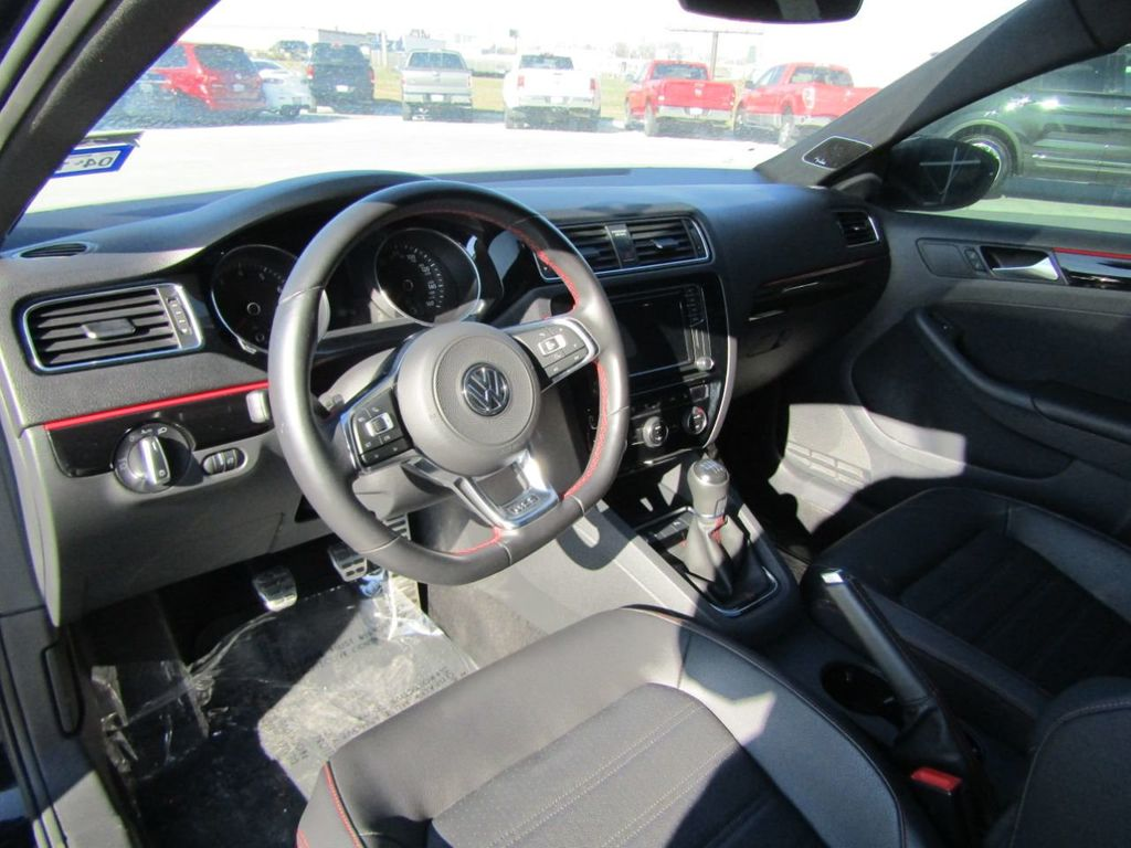 2017 Volkswagen Jetta GLI Manual - 18326769 - 9