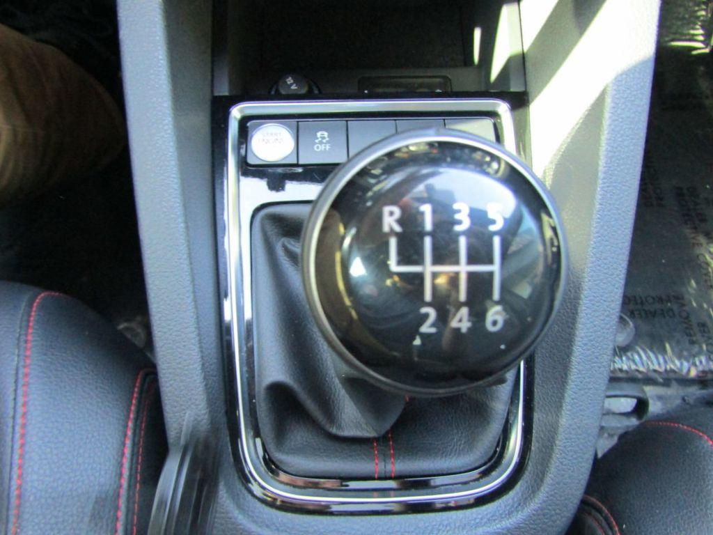 2017 Volkswagen Jetta GLI Manual - 18326769 - 13