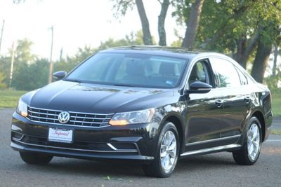 2017 Volkswagen Passat 1.8T S Automatic - Click to see full-size photo viewer