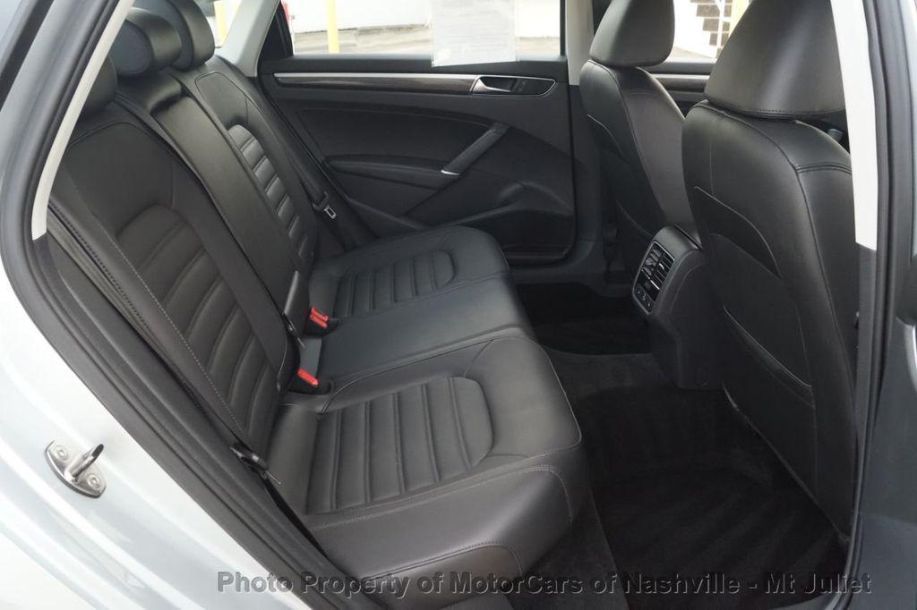 2017 Volkswagen Passat 1.8T SEL Premium Automatic - 18203177 - 24