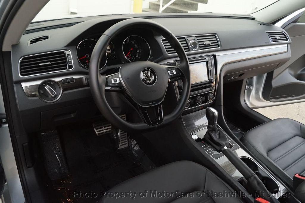 2017 Volkswagen Passat 1.8T SEL Premium Automatic - 18203177 - 25