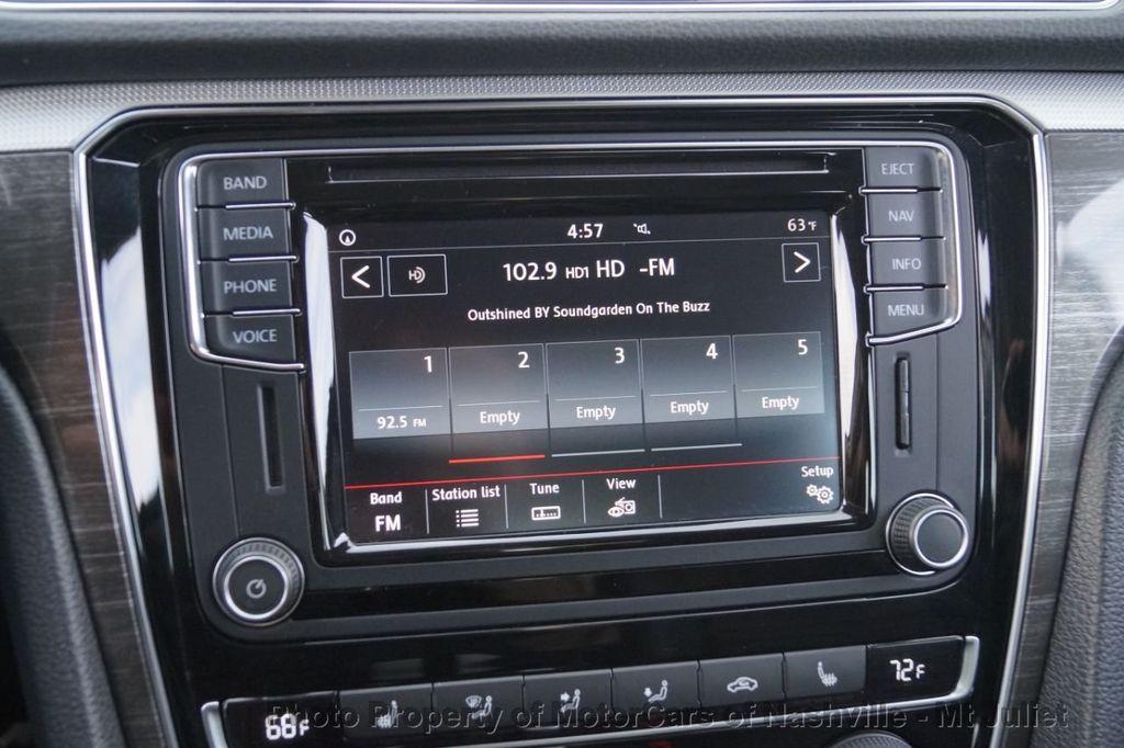 2017 Volkswagen Passat 1.8T SEL Premium Automatic - 18203177 - 34
