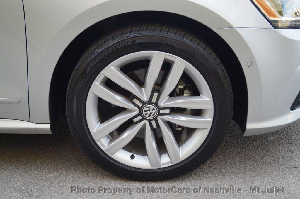 2017 Volkswagen Passat 1.8T SEL Premium Automatic - 18203177 - 45