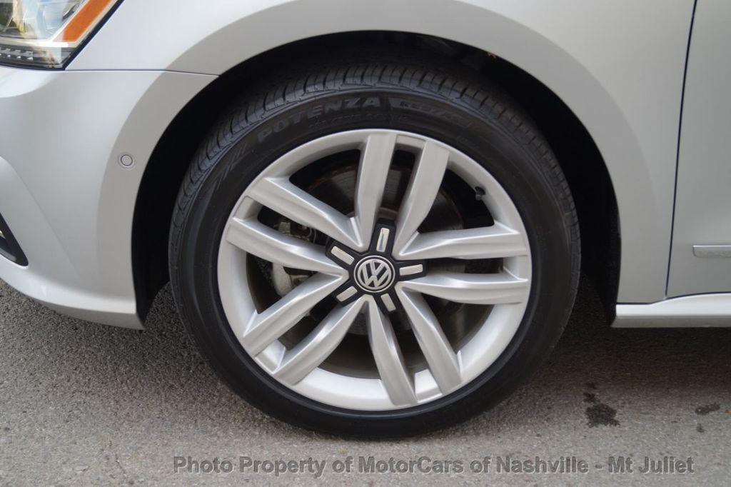 2017 Volkswagen Passat 1.8T SEL Premium Automatic - 18203177 - 46