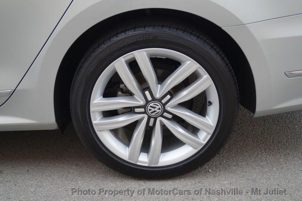 2017 Volkswagen Passat 1.8T SEL Premium Automatic - 18203177 - 47