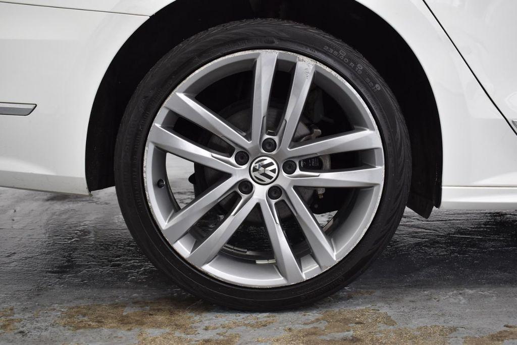 2017 Volkswagen Passat R-Line w/Comfort Pkg Automatic - 18378132 - 9