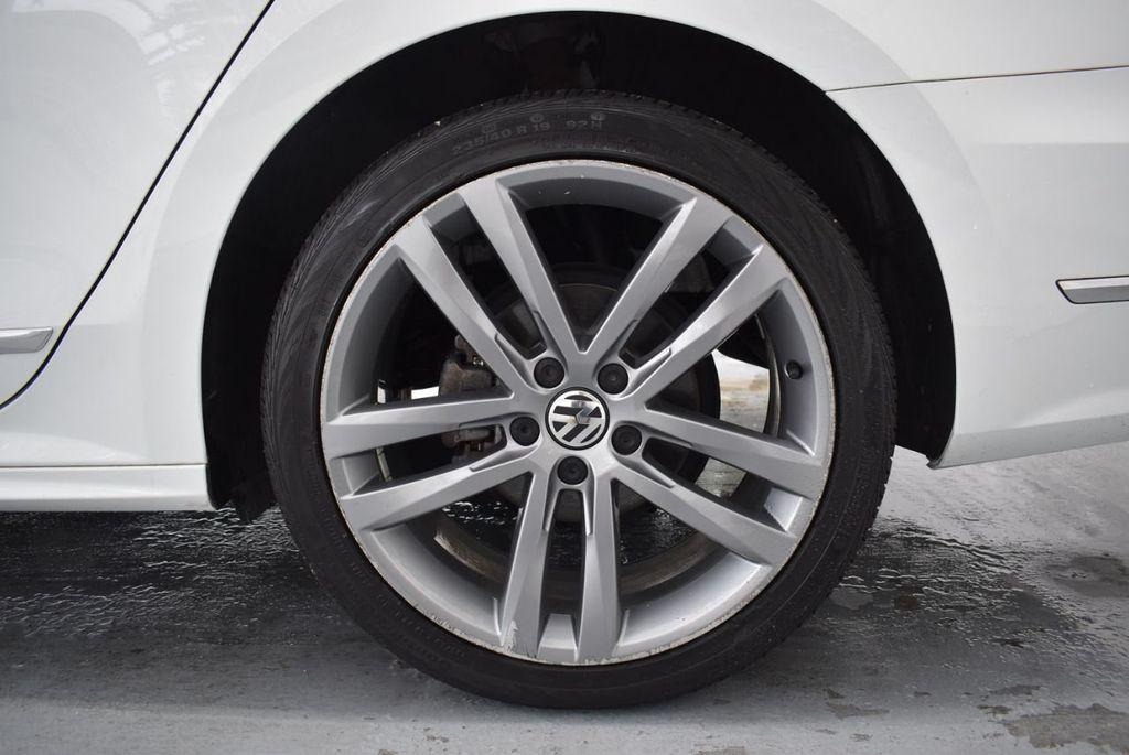 2017 Volkswagen Passat R-Line w/Comfort Pkg Automatic - 18378132 - 10