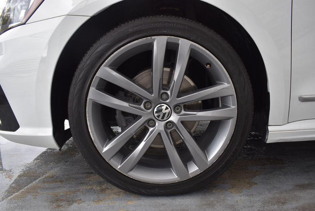 2017 Volkswagen Passat R-Line w/Comfort Pkg Automatic - 18378132 - 11