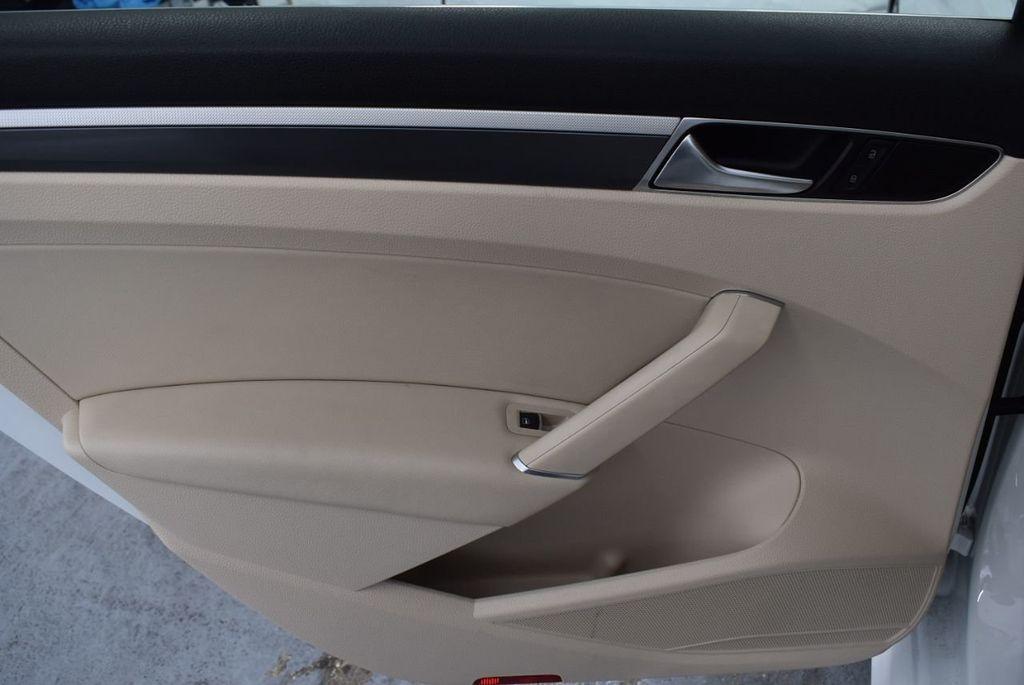 2017 Volkswagen Passat R-Line w/Comfort Pkg Automatic - 18378132 - 13