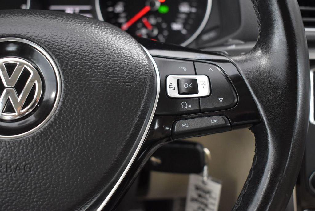 2017 Volkswagen Passat R-Line w/Comfort Pkg Automatic - 18378132 - 18