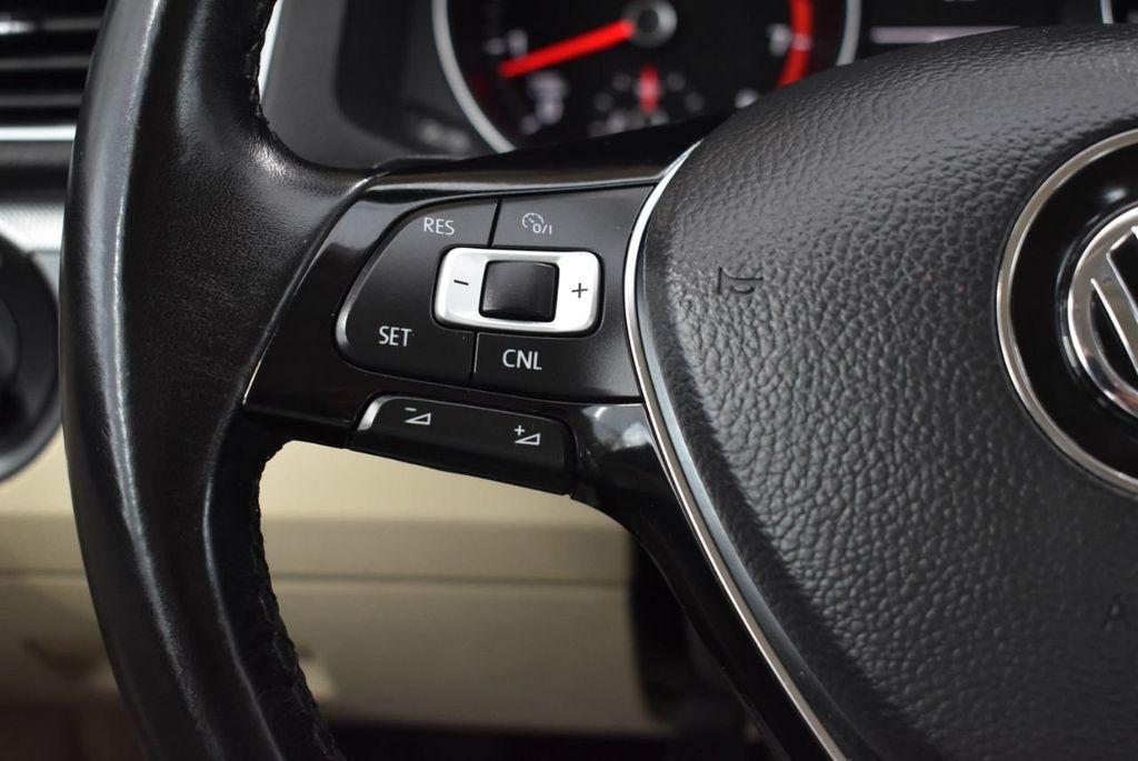 2017 Volkswagen Passat R-Line w/Comfort Pkg Automatic - 18378132 - 19